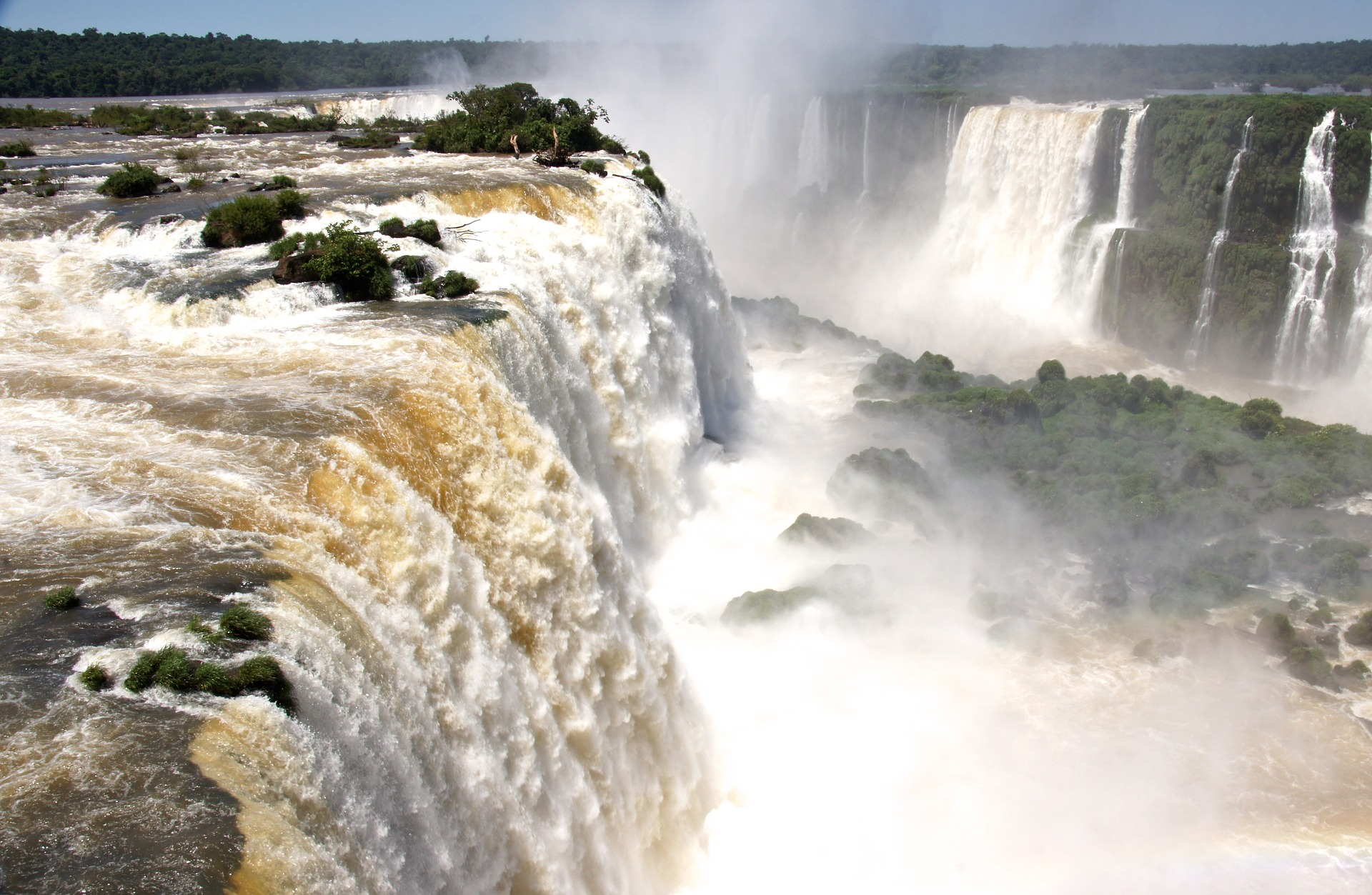 south-america-waterfall-1728321_1920.jpg
